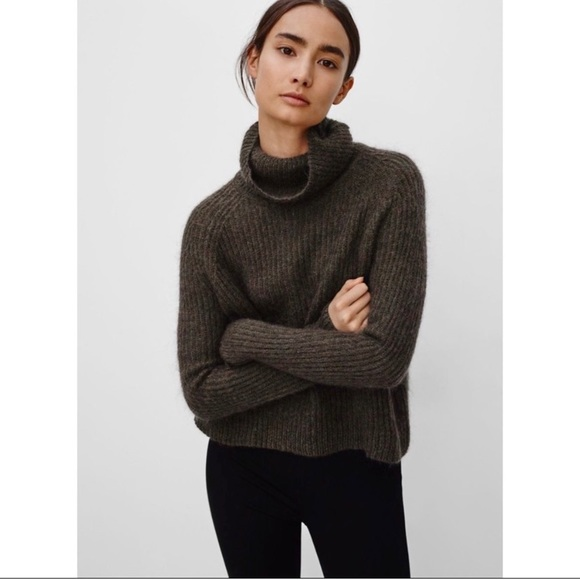 Green Aritzia Talula turtleneck